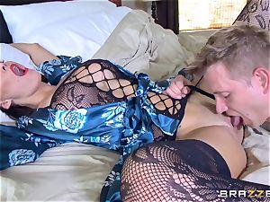 hotwife wife Peta Jensen cunt thrashed by Bill Bailey