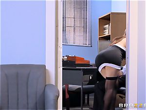 Valentina Nappi and Abby Lee Brazil struggle for a perfect position