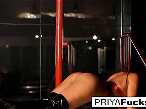 strip club spectacle by Indian beauty Priya Rai