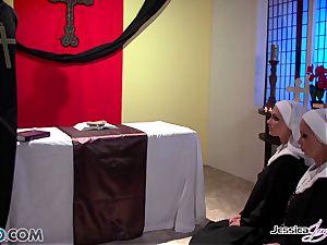 JessicaJaymes- Mick pulverizes Jessica and Nikki perfect ass