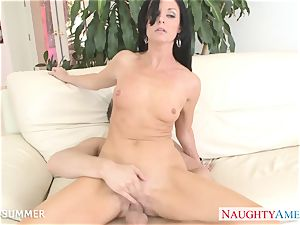 brown-haired India Summer gets puss plumbed