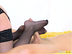 Cory haunt pummeled by Sean Lawless
