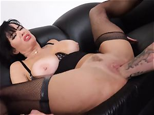 blasting brown-haired Veronica Avluv muff plunged and fisted
