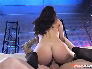 nutting for super-naughty Eva Lovia after being rammed ball-sac deep