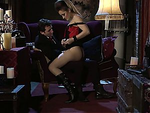 Dani Daniels implementing cogs and stiffys in her steampung wish