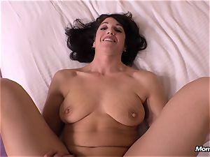 virginal dark-haired mummy cuckold creampie desire