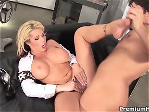 cocky Brooke Haven gets fucked up her pink vagina
