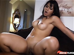 Rose Monroe is peed off but fixes it with angry hump