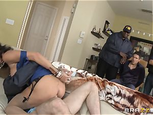 Criminals wifey Jessica Jaymes porked by a sizzling cop