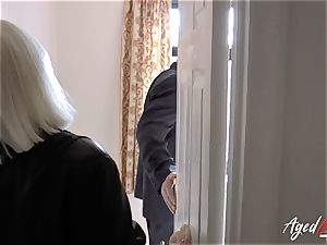 AgedLovE Mature lady Lacey Starr fellating hard beef whistle