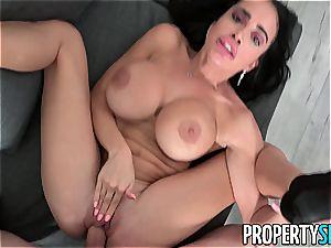 huge-boobed realtor Victoria June penetrates to make a sale