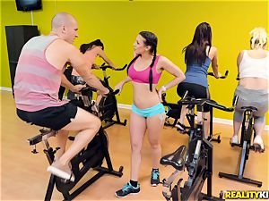 spinning on a whole fresh level with Rachel Starr