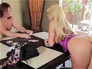 blondie Phoenix Marie plays de-robe and pummel poker