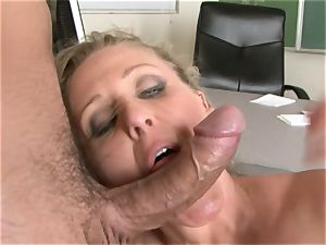 Julia Ann is a gonzo mummy who wants to put her beaver on a firm manmeat